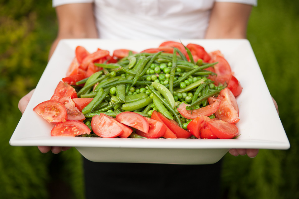 tomato and green pea salad